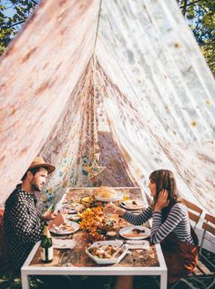 Urban Outfitters - Blog - UO Interviews: Friendsgiving with Tessa Barton