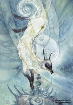Jiu Wei Hu (Nine-Tail Fox) is a creature spoken of in the ancient Chinese mythological bestiary, the Shan Hai Jing. Weird Creatures, Mythical Creatures, Mythological Creatures, Fantasy Creatures, Fox Dance, China Antigua, Fox Spirit, Animal Symbolism, Legendary Creature