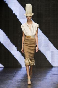 Donna Karan ss 2015 - love the skirt