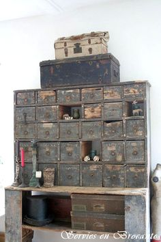 Trunks and Drawers ~ Storage Wow