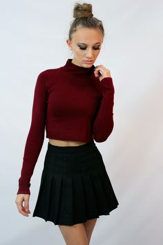 Wine colored knit crop turtleneck sweater. This sweater is super well made and thick knit. Will definitely be a wardrobe staple.