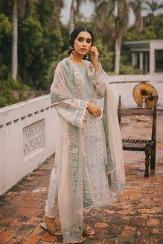 Outfit Designer, Indian Designer Wear, Fashion Weeks, Fashion Outfits, Ethnic Outfits, Indian Outfits, Anarkali, Wedding Dress, Wedding Wear