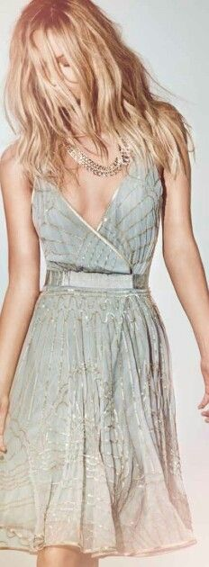 Absolutely stunning, I love dress cuts like this
