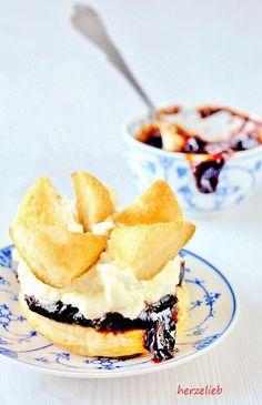 Friesentorte, ein Rezept aus Nordfriesland. Ob Sylt, Föhr, Amrum oder Husum , es gibt sie überall an der Küste