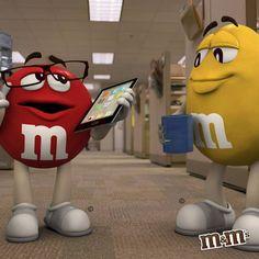 M&M's Mexico - ¿Cuál es tu mejor aliado en la oficina; tablet o café ?