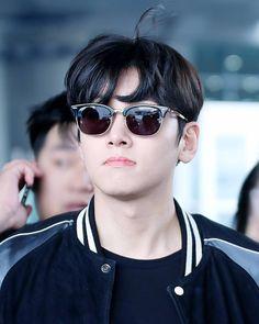 at Incheon Airport to Hangzhou Ji Chang Wook Smile, Ji Chang Wook Healer, Ji Chan Wook, Korean Star, Korean Men, Korean Celebrities, Korean Actors, Dramas, Justin Gray