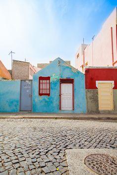 Streets of Santa Maria, Sal, Kaapverdie - More at https://www.kaapverdie.nl/vakantie-sal-kaapverdie/