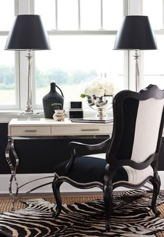 Interior Design Chic Black & white Home Office Clever Pyramid Shaped Home Design Black And White Office, Black And White Interior, Black White, White Rug, Black Gold, Home Office Space, Home Office Decor, Office Ideas, Desk Space