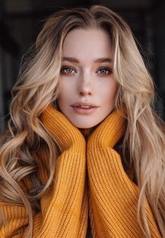 possibly the most beautiful eyes in the world Creative Portrait Photography, Portrait Photography Poses, Photography Poses Women, Self Portrait Poses, Indoor Photography, Teenage Girl Photography, Stunning Photography, Creative Portraits, Portrait Ideas