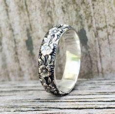 Silver Wedding Band Antique Wedding Band Floral Pattern Ring Ladies Silver Wedding Ring by SilverBearJewelryCo on Etsy https://www.etsy.com/listing/464069134/silver-wedding-band-antique-wedding-band