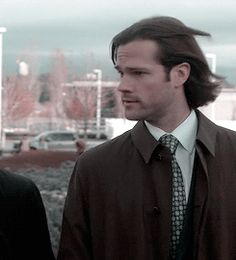 """""""Sam Winchester, brought to you by L'oreal. Jensen Ackles Supernatural, Jensen Ackles Jared Padalecki, Supernatural Tv Show, Jared And Jensen, Winchester Boys, Winchester Brothers, Sams Hair, Dean, Super Natural"""