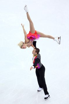 Kirsten Moore-Towers and Dylan Moscovitch of Canada compete during the Figure Skating Pairs Short Program (c) Getty Images
