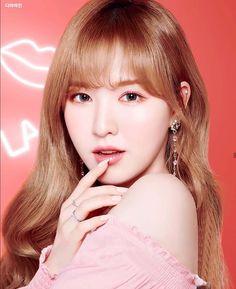 Wendy Red Velvet, Black Velvet, Kpop Girl Groups, Kpop Girls, Red Velvet Photoshoot, Red Valvet, Etude House, Pretty People, Korean Girl