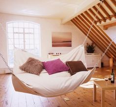 Google Image Result for http://manolohome.com/wordpress/wp-content/uploads/2011/05/lebeanock_hammock_bed.jpg