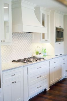 Incredible Kitchen Backsplash with White Cabinet Ideas (39)