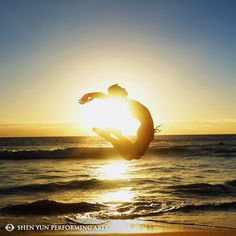There's nothing like dancing in the sunset. Perth, Australia, May 2014.  #sunset #beach #summer #Perth #Australia