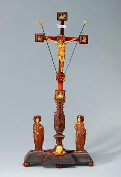 Amber Crucifix of John II Casimir Vasa by Anonymous from Gdańsk or Konigsberg, 1650s, Kremlin Museum