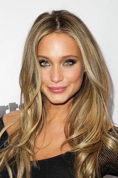 Hannah Davis showing off her flawless looks and stunning hair on the red carpet!