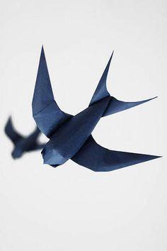 Golondrina de origami con diagrama - Origami diagram of the Swallow