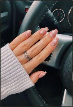 nails with stars - nails with stars ; nails with stars design ; nails with stars and moon ; nails with stars acrylic ; nails with stars sparkle ; nails with stars on them ; nails with stars design acrylic Aycrlic Nails, Pink Nails, Cute Nails, Hair And Nails, Manicures, Teen Nails, Glitter Nails, Gold Nail, Kylie Nails