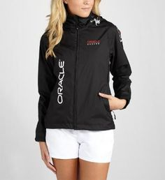 The ORACLE TEAM USA crew loves to sail in perfect conditions – but we also know that in sailing, you can't always rely on the weather to behave. So we developed a jacket that would help keep our fans dry and warm on the not so perfect days. It features an ORACLE logo print on the front and back, as well as the official Defender badge on the sleeve.Features:5000 g/sqm 24 hour breathability5000 mm PU coatingMade from 100% Polyester Microfiber @PUMA