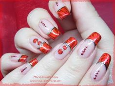 ▶ Nail art Saint Valentin avec dorures et pierres liquides - YouTube