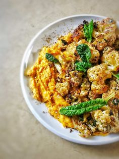 Roasted Cauliflower Salad with Pumpkin and Butter Bean Hummus - PriMade Foods Healthy Salad Recipes, Vegetarian Recipes, Roasted Cauliflower Salad, Bread Soup, Snack Platter, Pumpkin Salad, Sydney Food, Butter Beans, Salad Bar