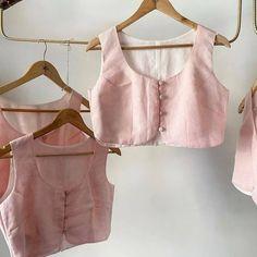 Simple Blouse Designs, Stylish Blouse Design, Saree Blouse Designs, Designer Blouse Patterns, Design Patterns, Dress Patterns, Kids Indian Wear, Indian Blouse, Saree Styles