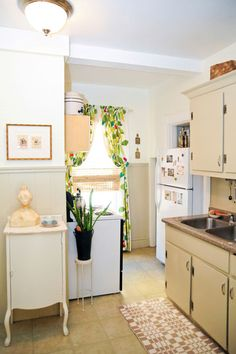 Article: Ten kitchen improvements for renters. The improvements are fairly inexpensive and work temporarily (and around leases.) yay!