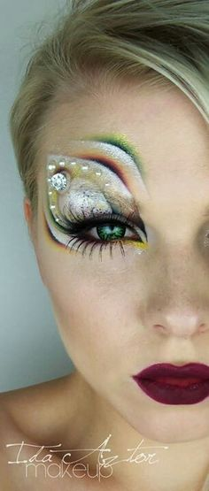 Incredible eye make-up! Maquillage Halloween, Halloween Makeup, Fx Makeup, Beauty Makeup, Extreme Makeup, Fantasy Make Up, Theatre Makeup, Theatrical Makeup, Special Effects Makeup