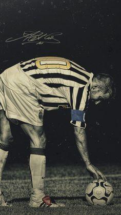 Juventus Players, Juventus Fc, Fifa, Juventus Wallpapers, Sport Inspiration, Ac Milan, Soccer Players, First Photo, Ronaldo