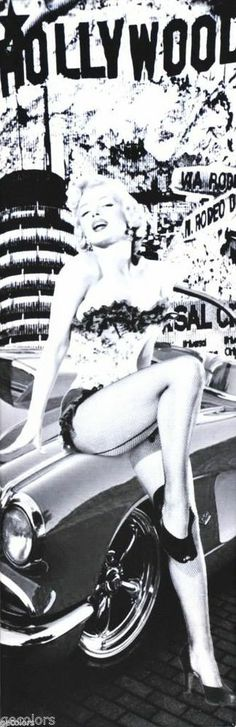 "Marilyn Monroe on Convertible Canvas Print Black & White (24""X8"")"