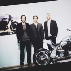 And we're D O N E ! Private event tonight here at @archmoco Arch Motorcycles. Rogue Collective very thankful and proud to be part of it, suppling art pieces for each and every guest. Again, huge thanks to everybody at Arch and AMEX! As usual for orders jul@rogue-collective.com #motorcycle #power #cruiser #keanureeves #gardhollinger #handmade #losangeles #usa #ride #rider #cardesigner #painting #artists #sandiego #detroit #2wheels #motorbike #amex #passion #genuine #fun #cool #reloaded #socal…