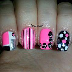 hot pink black white and silver Fabulous Nails, Gorgeous Nails, Pretty Nails, Nail Art Designs, Crazy Nail Designs, Crazy Nails, Funky Nails, Get Nails, Love Nails