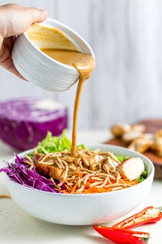 Thai Chicken salad with peanut dressing and grilled soy ginger chicken is the perfect salad for lunch or dinner!This deliciously healthy Thai Chicken Thai Chicken Marinade, Easy Salad Recipes, Chicken Salad Recipes, Side Dishes Easy, Side Dish Recipes, Dishes Recipes, Thai Recipes
