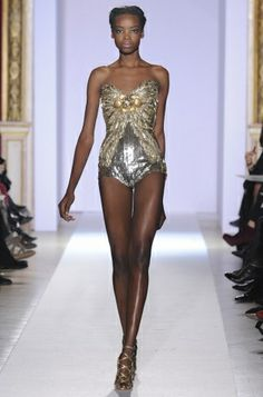 Zuhair Murad Spring 2013 Couture Collection - Breath-taking, elegant designs dominated the Zuhair Murad spring 2013 couture collection once again mesmerizing everyone in the process. Have a glimpse!