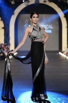 Pakistan Fashion Design Council L'Oreal Bridal Week PLBW 2103 - Sana Safinaz