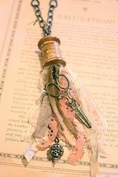 Spool tassel - sew romantic necklace being taught by Denise Hahn at the French General Jewelry Crafts, Jewelry Art, Beaded Jewelry, Vintage Jewelry, Handmade Jewelry, Jewelry Design, Handmade Headbands, Handmade Crafts, Handmade Rugs