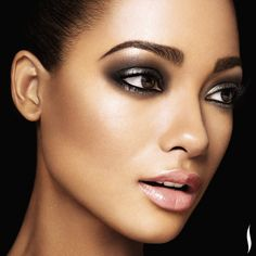 #PROtip: For a casual, everyday smoky eye, try deep brown matte shades. But for night, amp up the drama with shimmery black and gunmetal hues, like this. #Sephora