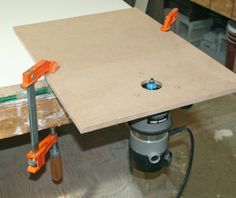 Learn how to make a homemade router table with these shop-made router base plates that are easy to make with materials around your shop. Essential Woodworking Tools, Antique Woodworking Tools, Router Woodworking, Woodworking Techniques, Woodworking Projects Diy, Fine Woodworking, Woodworking Organization, Woodworking Machinery, Woodworking Classes