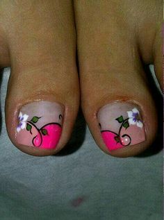 diseños Cute Pedicures, Mani Pedi, Manicure And Pedicure, Cute Toe Nails, Toe Nail Art, My Nails, Purple And Pink Nails, French Pedicure, Feet Nails