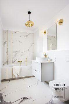 Bathroom Tub Shower, Tub Shower Combo, Small Toilet Room, Small Bathroom, Modern Bathroom Design, Bathroom Interior Design, Country Modern Home, Luxury Homes Interior, Bathroom Inspiration