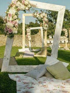 49 Ideas For Wedding Ceremony Outdoor Decorations Backdrops – Wedding Tips & Themes Romantic Wedding Receptions, Outdoor Wedding Decorations, Outdoor Wedding Venues, Romantic Weddings, Wedding Ceremony, Wedding Backdrops, Ceremony Decorations, Bohemian Weddings, Bohemian Bride