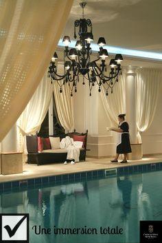 La #piscine du Tiara Château Hôtel Mont Royal Chantilly - The swimming pool at the Tiara Château Hôtel Mont Royal Chantilly.