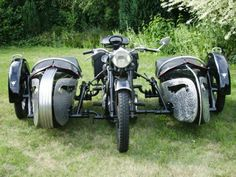 this bike is made for my brothers if two of them dont straiten up they will just be riding in the side cars