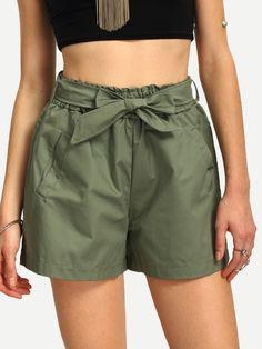 Shorts+mit+Tie+Taille+und+breitem+Bein+-armee+grün+18.53