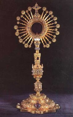 Monstrance of Santa Clara Church, Tunja Colombia, today owned by the Bank of the Republic, Bogota, Colombia. Gold and emeralds.  banrepcultural.org