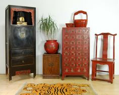 A mix of modern and antique Chinese interiors from www. A mix of modern Antique Chinese Furniture, Asian Furniture, Furniture Plans, Furniture Design, Chinese Interior, Asian Interior, Asian Inspired Decor, Asian Decor, Asian Design