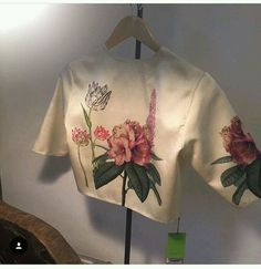 Sari Blouse Designs, Kurta Designs, Blouse Patterns, Blouse Styles, Raw Mango Sarees, Blouse Desings, Stylish Blouse Design, Indian Designer Outfits, Saree Blouse