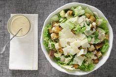 Σαλάτα του Καίσαρα - Γρήγορες Συνταγές   γαστρονόμος online Salad Recipes, Cake Recipes, Salad Bar, Feta, Potato Salad, Cabbage, Recipies, Food Porn, Food And Drink